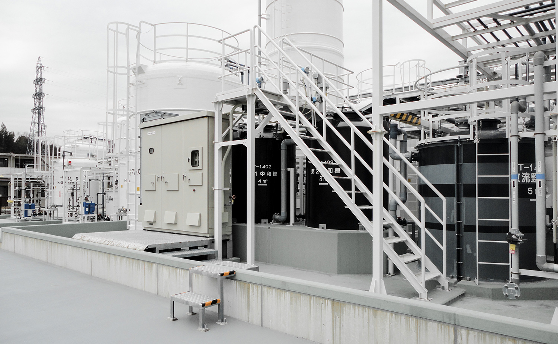 水処理プラント屋外用制御盤設置例